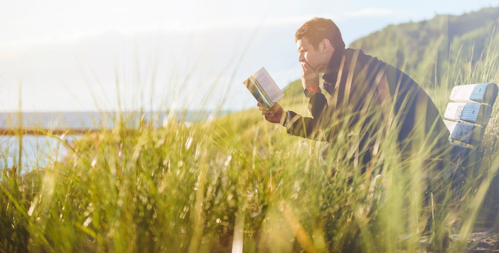 Top 10 Books for Digital Nomads