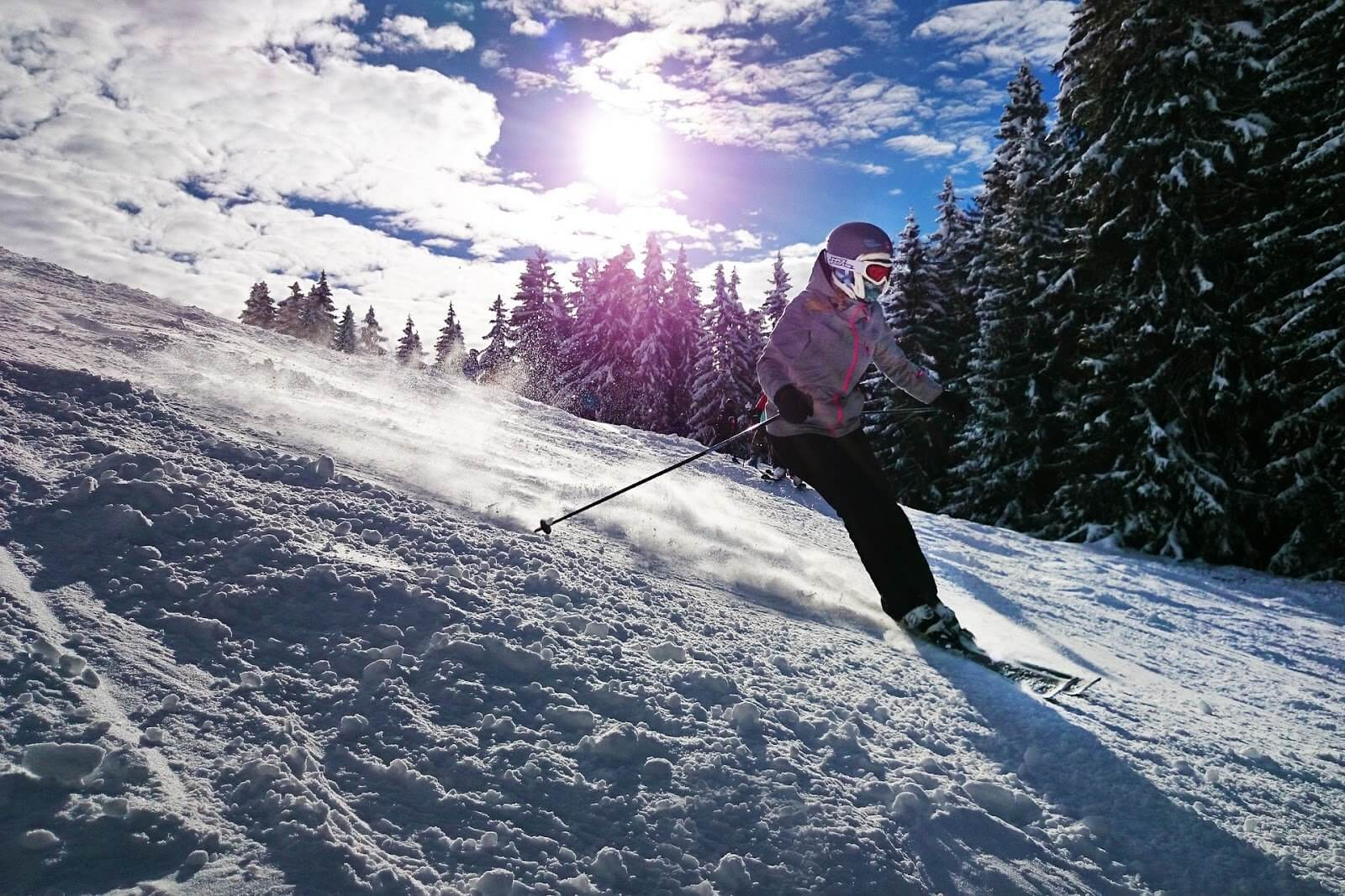 Jobs That Allow You To Travel: Ski Instructor