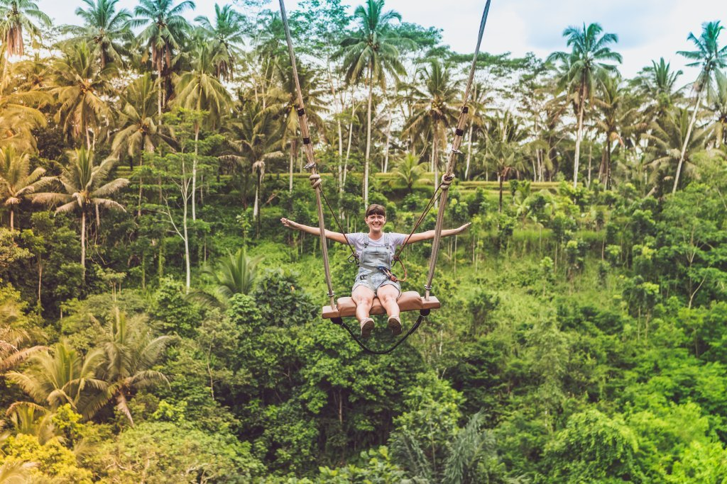 Digital Nomad Jobs: Learn what jobs allow you to travel while you work and where to find them
